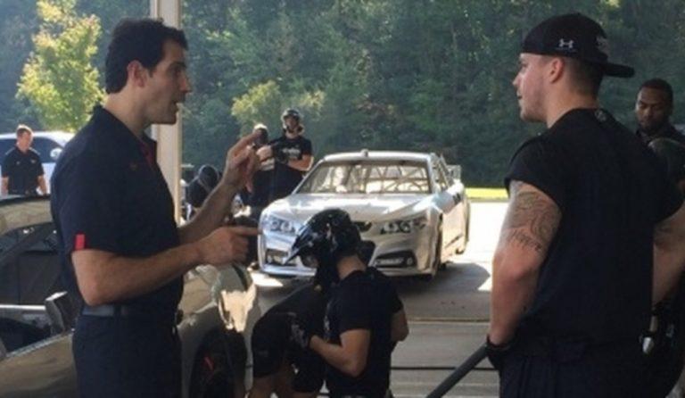 Άντι Παπαθανασίου: Ομογενής ο πρώτος προπονητής pit stop στους αγώνες NASCAR | Pagenews.gr