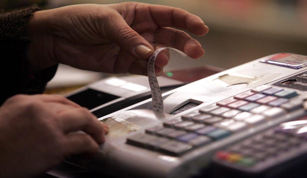 «Τσουχτερά» πρόστιμα σε ιδιοκτήτες ενοικιαζόμενων για μη έκδοση αποδείξεων | Pagenews.gr