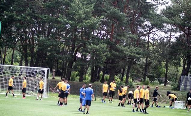 Προπόνηση και πάλι στο δάσος για τους παίκτες της ΑΕΚ (vid)   Pagenews.gr