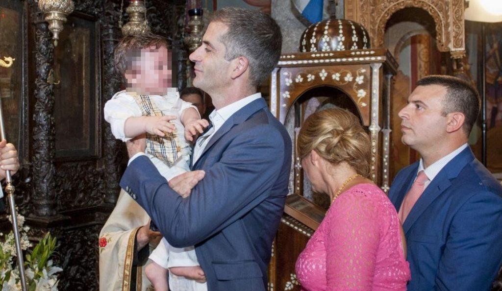 Νονός έγινε ο Κώστας Μπακογιάννης (pics) | Pagenews.gr