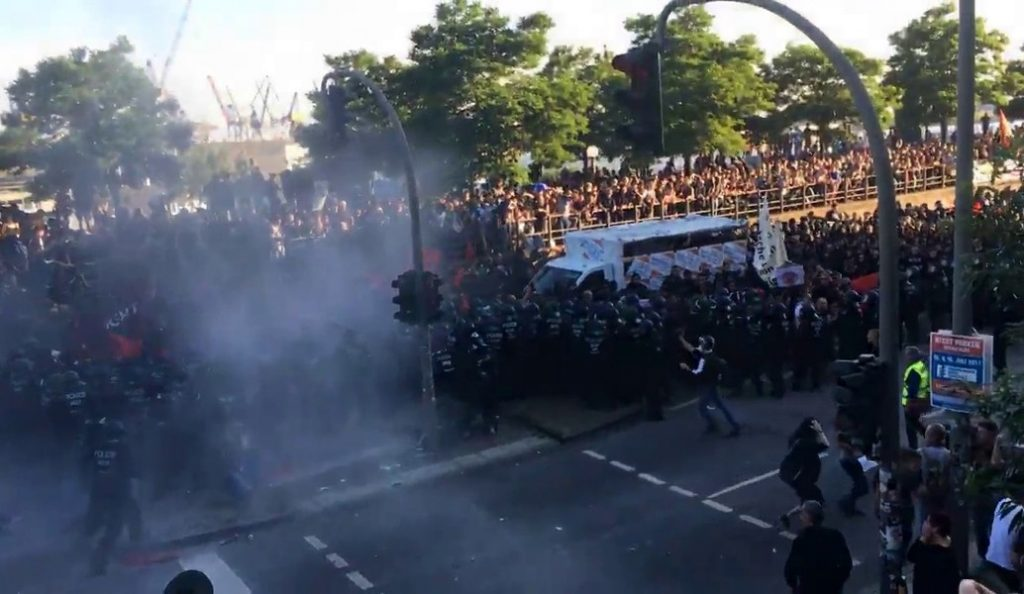 SΖ για τα επεισόδια στο Αμβούργο: Οι ταραξίες ήρθαν και από την Ελλάδα | Pagenews.gr