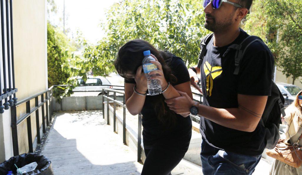 Άγριο έγκλημα στο Κορωπί: «Μη σκοτώνεις τη μαμά μας»   Pagenews.gr