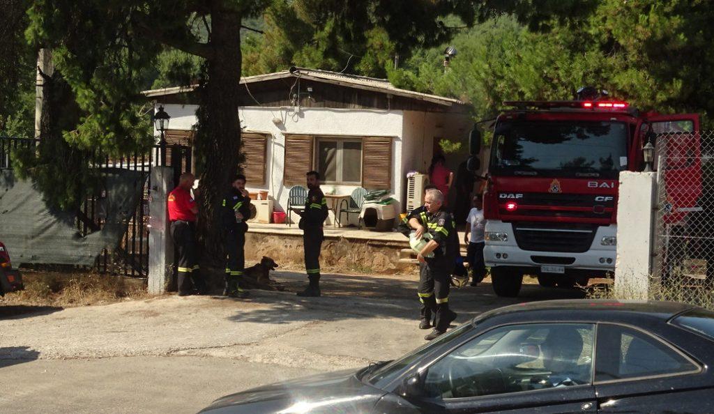 Οινόφυτα: Υπό έλεγχο η φωτιά στο εργοστάσιο πλαστικών – Δύο τραυματίες (upd) | Pagenews.gr