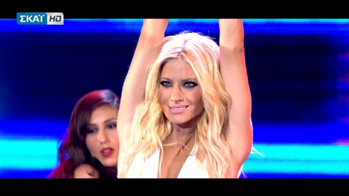 X Factor: Ντεκολτέ… θάνατος η Ευαγγελία Αραβανή! | Pagenews.gr