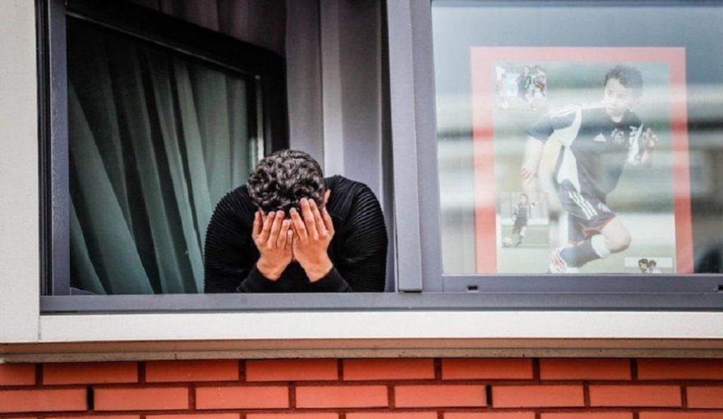 Συγκλονιστικές εικόνες από χιλιάδες οπαδούς στο σπίτι του Νούρι (pics&vids) | Pagenews.gr