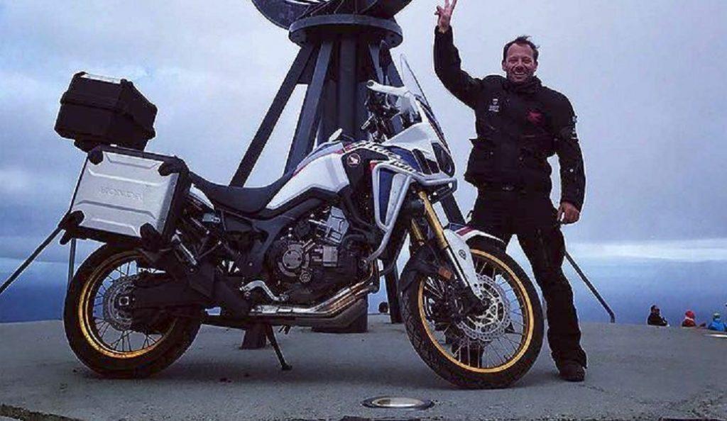 Ο Γ. Πυρπασόπουλος ταξίδεψε με μοτοσικλέτα 3.570 χλμ., – Έφτασε στο βορειότερο σημείο της Ευρώπης (pics&vid) | Pagenews.gr