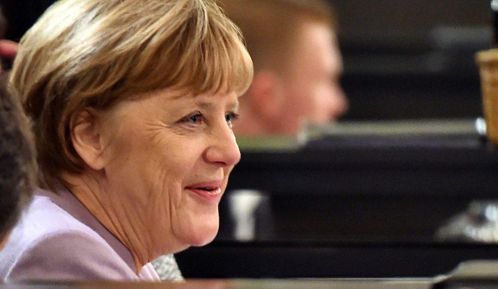 Μέρκελ: Ελπίζω ότι η Ελλάδα θα υλοποιήσει ό,τι έχει προγραμματίσει | Pagenews.gr