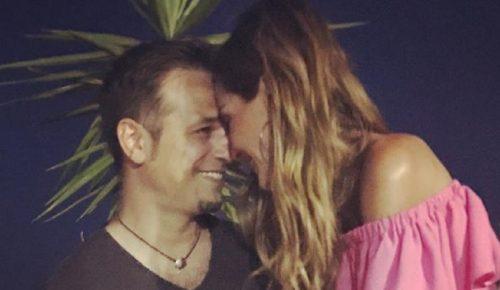 ΔΕΣΠΟΙΝΑ ΒΑΝΔΗ: Αυτοσαρκάζεται για τη διαφορά ηλικίας με τον Ντέμη Νικολαϊδη | Pagenews.gr