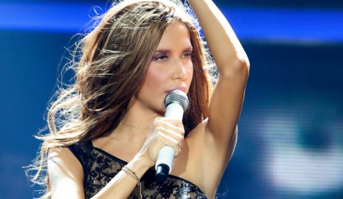 Πανικός με την Πάολα να τραγουδά το «Μακεδονία Ξακουστή» (vid) | Pagenews.gr