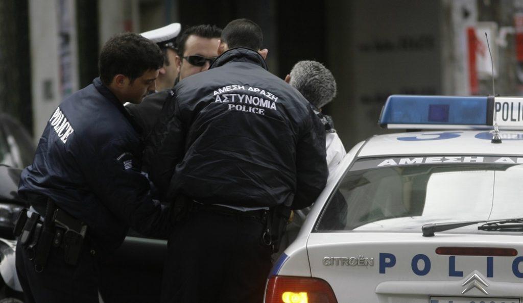 Αστυνομικός «καρφώθηκε» από χρησιμοποιημένη σύριγγα φορέα του AIDS | Pagenews.gr