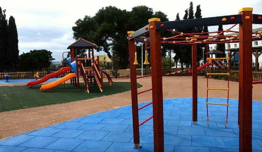 Εύοσμος: Άγνωστοι βανδάλισαν παιδική χαρά | Pagenews.gr