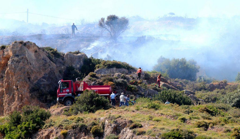 Αναζωπυρώθηκε η φωτιά στα Κύθηρα – Εκκενώθηκαν οικισμοί (upd)   Pagenews.gr
