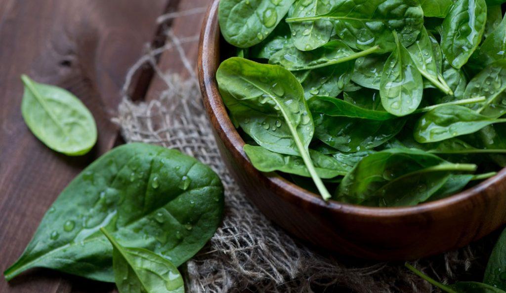 Δροσερή σαλάτα με σπανάκι και παντζάρια | Pagenews.gr