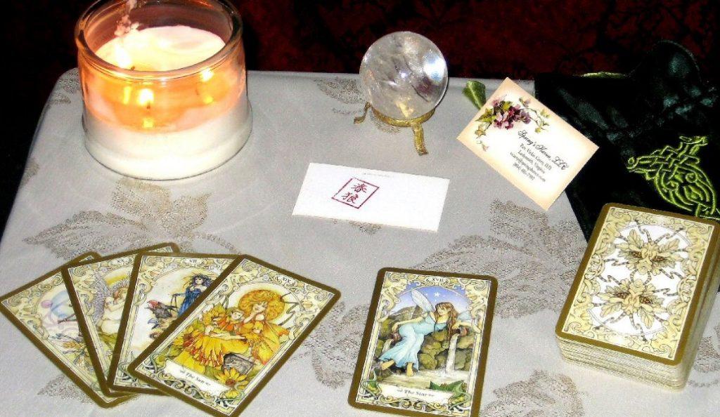 Χαρτομαντεία: Οι κάρτες μιλούν για τον έρωτα   Pagenews.gr
