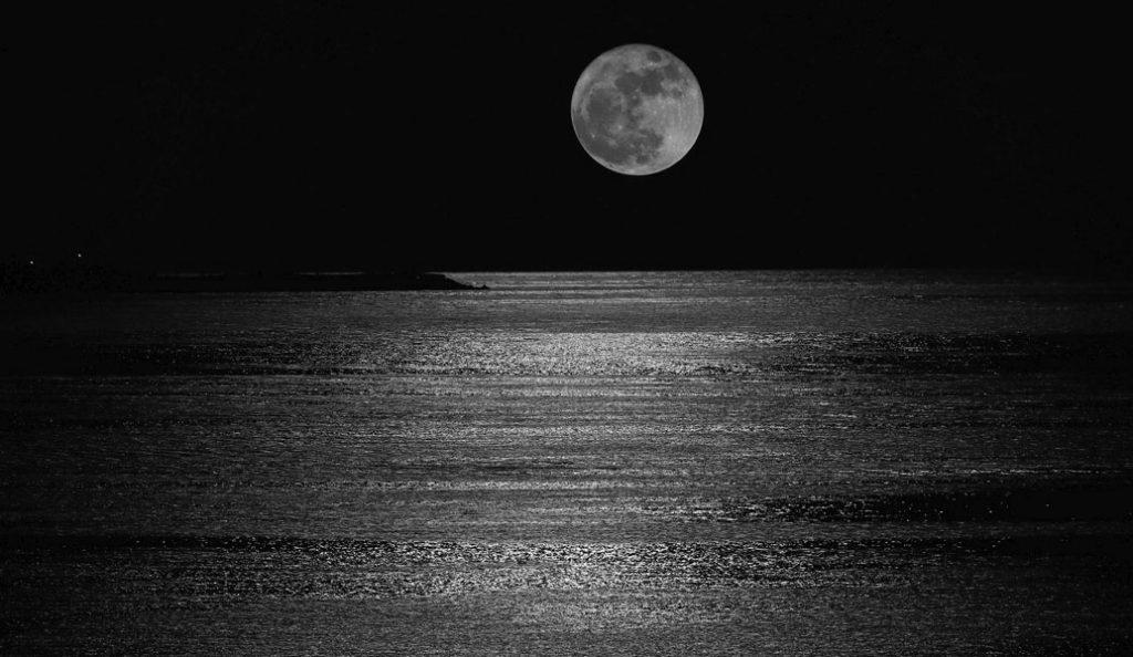 Η Σελήνη μπαίνει στον Τοξότη! Δείτε τι θα συμβεί σε όλα τα ζώδια! | Pagenews.gr