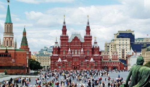 Οι Ρώσοι τουρίστες επιλέγουν ξανά την Τουρκία | Pagenews.gr