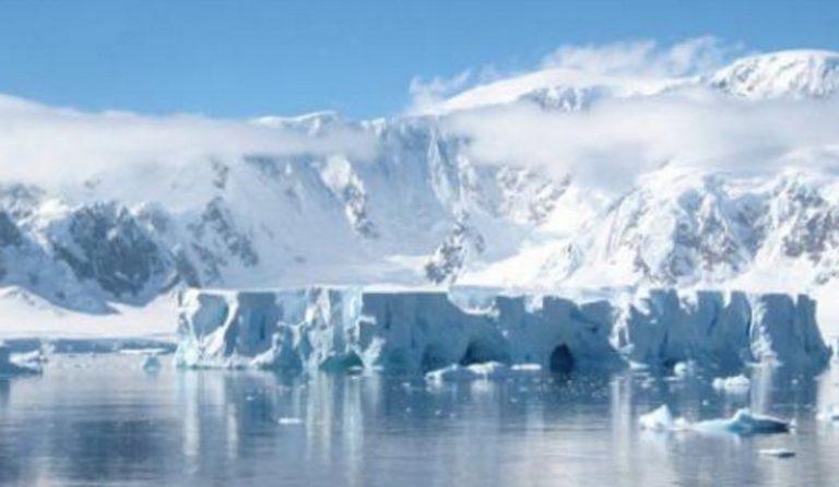 Η Ανταρκτική χάνει 219 δισεκατομμύρια τόνους πάγου το χρόνο | Pagenews.gr