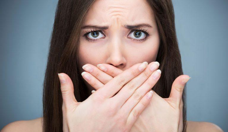 Δέκα λύσεις για την δυσάρεστη αναπνοή   Pagenews.gr