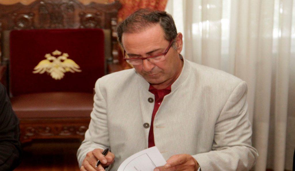 Θ. Γιάνναρος: Η διαφθορά ωθεί ασθενείς στην ιδιωτική υγεία | Pagenews.gr