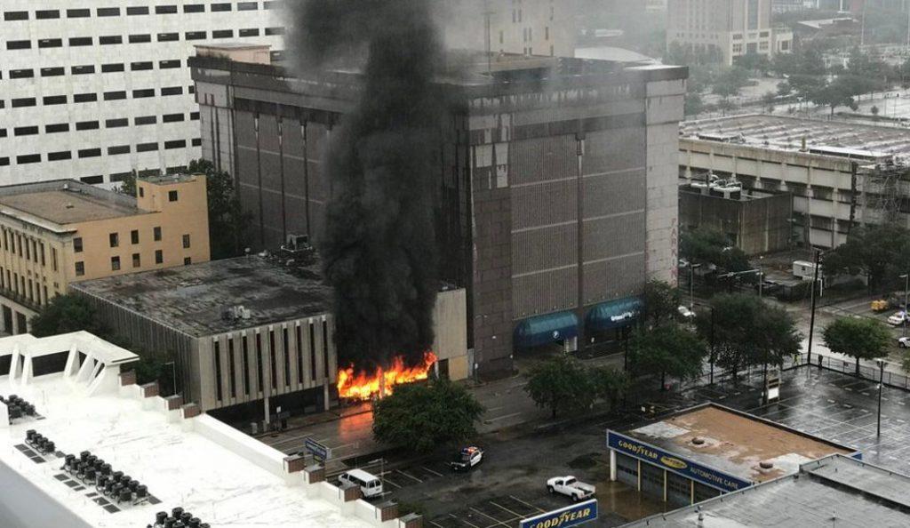 Έκρηξη σε κτίριο στο Χιούστον (pics & vid) | Pagenews.gr