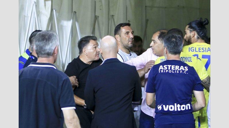 Ένταση με Κούγια, διαιτητές και παίκτες στην φυσούνα! (pics) | Pagenews.gr