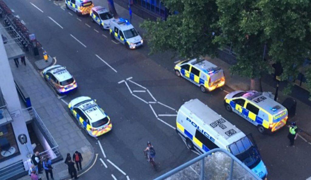 Λονδίνο: Έκρηξη σε χειραποσκευή στον σιδηροδρομικό σταθμό του Γιούστον (pics&vid)   Pagenews.gr