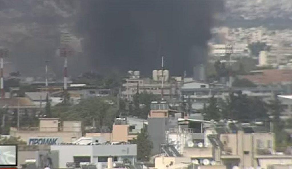 Πυρκαγιά σε μεταφορική εταιρεία στου Ρέντη | Pagenews.gr
