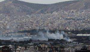Υπό μερικό έλεγχο η πυρκαγιά που ξέσπασε σε μεταφορική εταιρεία στην περιοχή του Ρέντη   Pagenews.gr