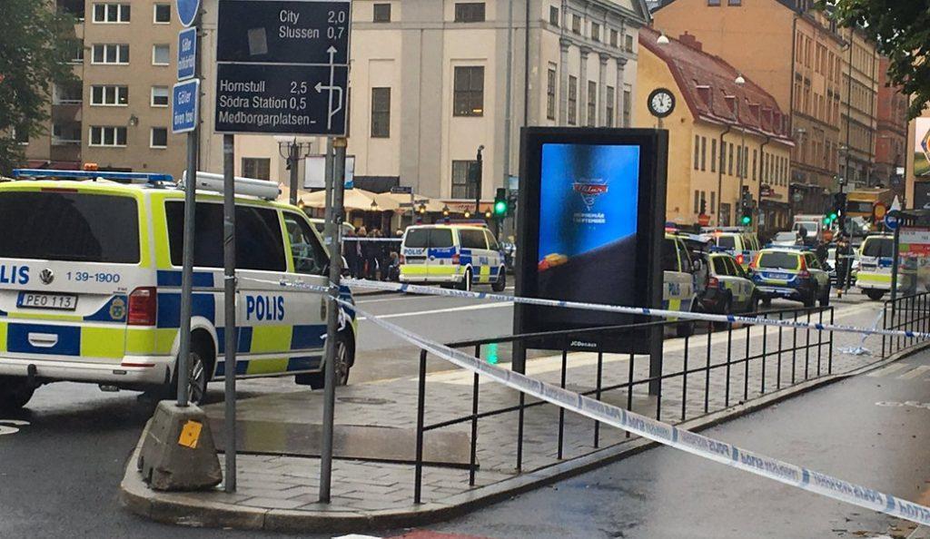 Στοκχόλμη: Επίθεση με μαχαίρι σε αστυνομικό – Ένας τραυματίας (pics)   Pagenews.gr
