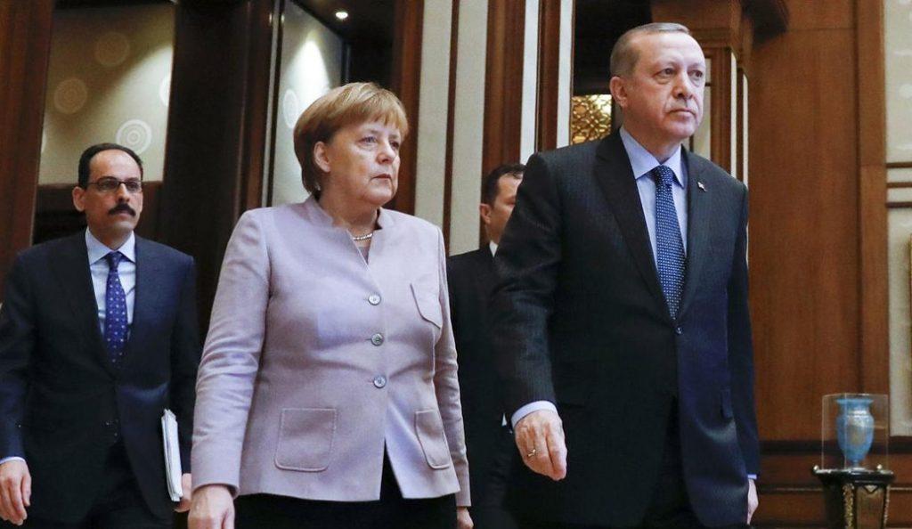 «Χαστούκι» Μέρκελ στον Ερντογάν: Θα πρέπει να αναθεωρήσουμε τις σχέσεις μας   Pagenews.gr