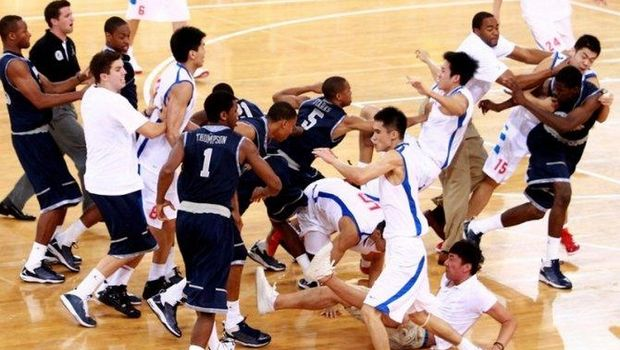 Άφησαν το μπάσκετ και τόριξαν στο…ξύλο! | Pagenews.gr