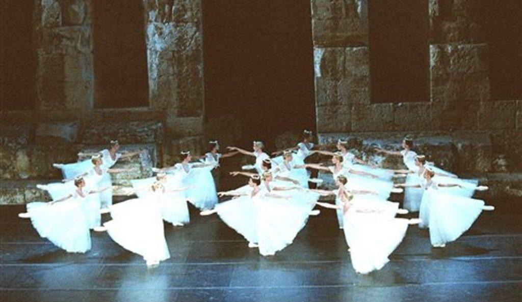 Μιχαήλ Λαβρόφσκι: Επετειακή παράσταση-αφιέρωμα στον κορυφαίο σολίστ από τα μπαλέτα Μπολσόι | Pagenews.gr