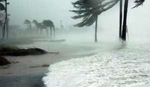 ΗΠΑ: Σημαντική απειλή για ακόμα 36 ώρες ο τυφώνας Φλόρενς   Pagenews.gr