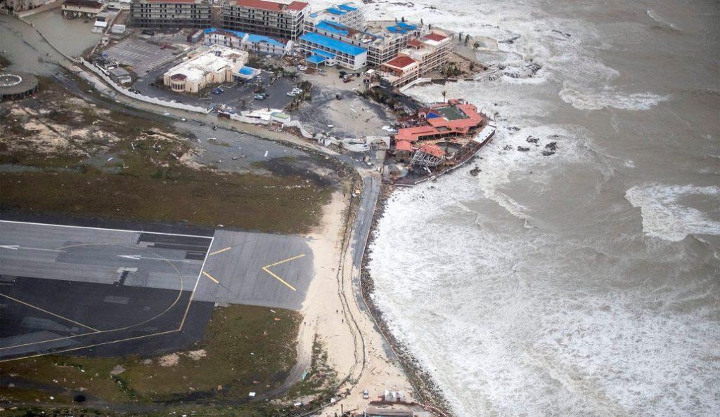 Τυφώνας Ίρμα: Ισοπέδωσε τον Άγιο Μαρτίνο στο πέρασμά του (vid) | Pagenews.gr