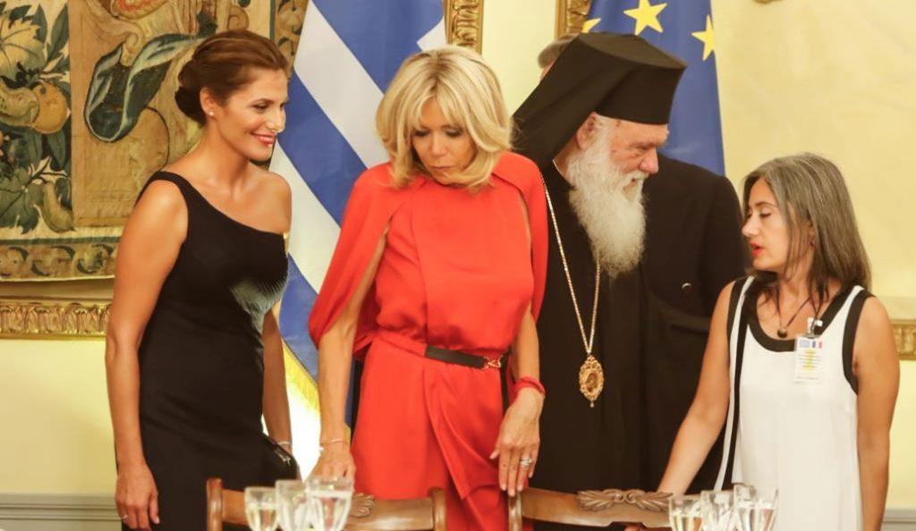Μπριζίτ Τρονιέ: Η σύζυγος Μακρόν εντυπωσίασε με το κόκκινο φόρεμά της (pic)   Pagenews.gr