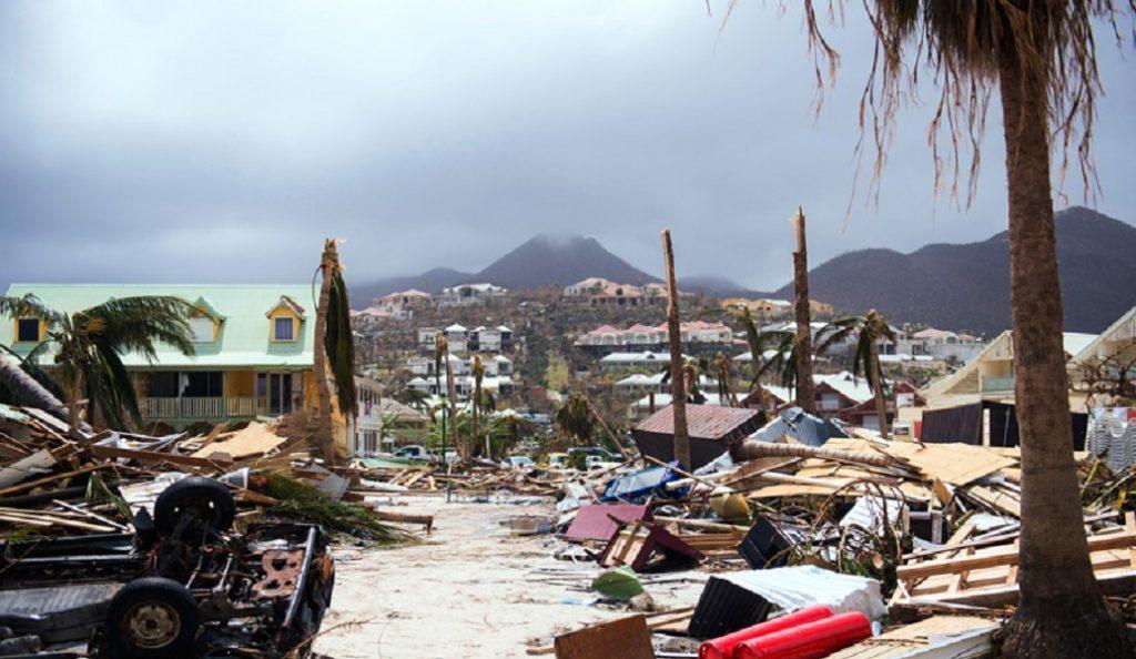 Τυφώνας Ίρμα: Στους 21 οι νεκροί – Οι Αμερικανοί εγκαταλείπουν με κάθε μέσο τις ακτές | Pagenews.gr