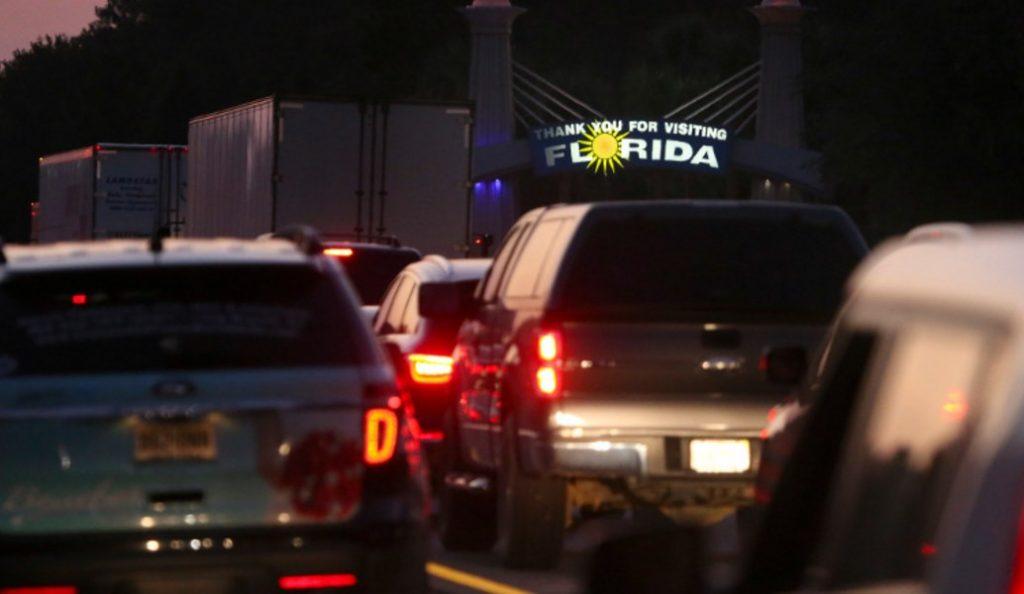 Florida: Eκκενώνονται περιοχές λόγω του τυφώνα Ίρμα – Στους δρόμους 5,6 εκατομμύρια άνθρωποι (pics & vid) | Pagenews.gr