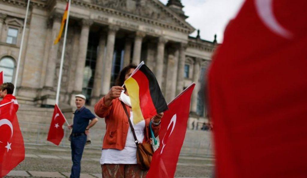 Γερμανία: Πάνω από 600 υψηλόβαθμοι Τούρκοι αξιωματούχοι έχουν υποβάλει αίτηση ασύλου   Pagenews.gr