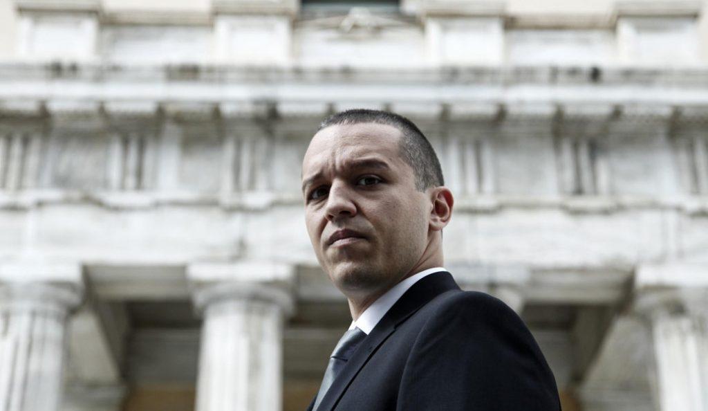 Βουλή: Η Επιτροπή Δεοντολογίας ζητά την περικοπή της βουλευτικής αποζημίωσης του Κασιδιάρη | Pagenews.gr