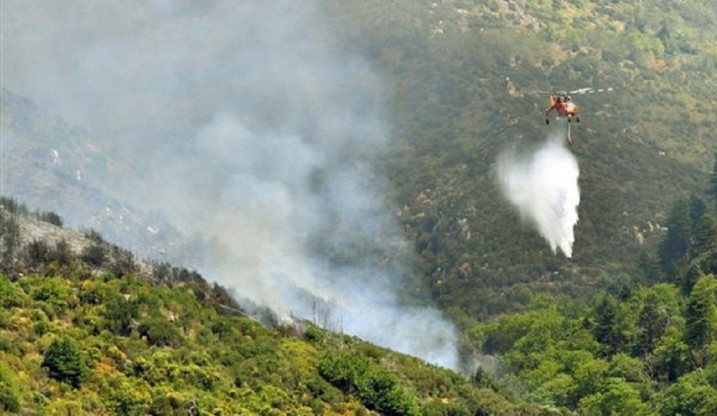 Παλεύουν με τις αναζωπυρώσεις οι πυροσβέστες στην Ηλεία   Pagenews.gr