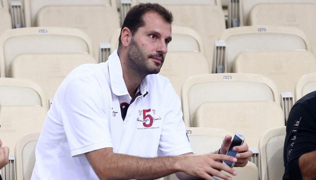 Απίστευτο ξέσπασμα Κακιούζη για Ολυμπιακό: «Έλεος με αυτήν την… π@π@ρι@»! | Pagenews.gr