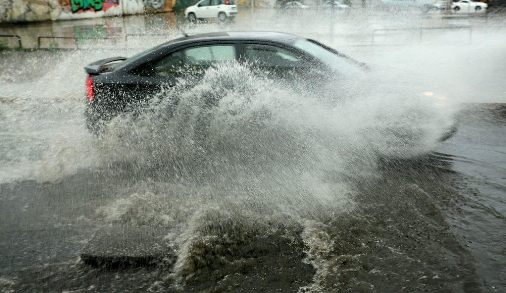 Κακοκαιρία: Συμβουλές για ασφαλή οδήγηση | Pagenews.gr