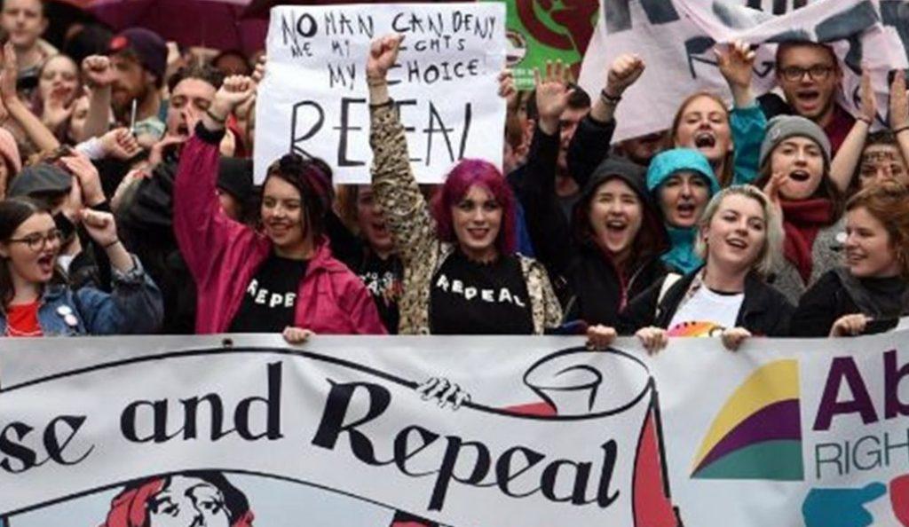 Ιρλανδία: Οι αμβλώσεις διχάζουν την κοινή γνώμη | Pagenews.gr