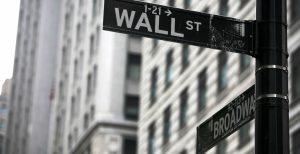 Wall Street: Έκλεισε με ισχυρές πτωτικές τάσεις | Pagenews.gr