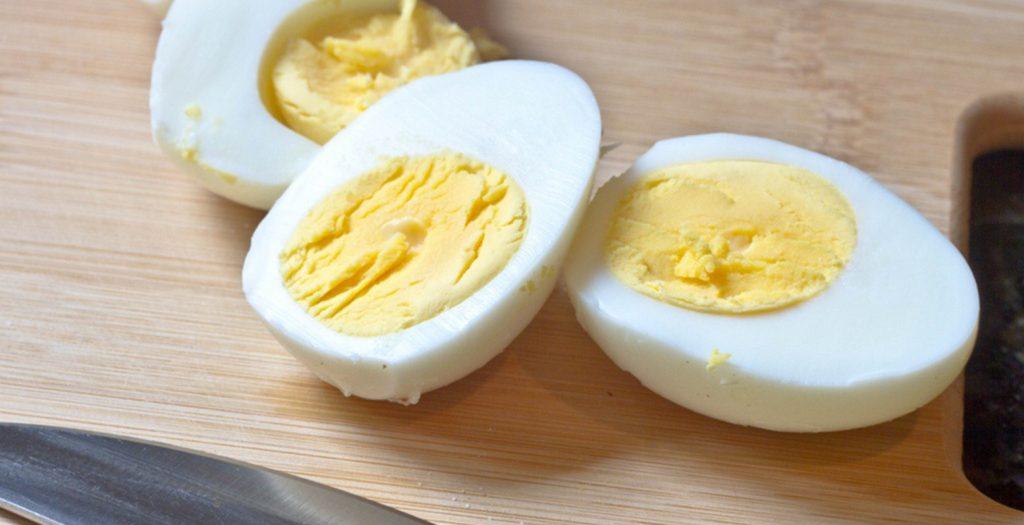 Μωρό: Η διατροφή από πολύ νωρίς  με αυγά και φιστίκια μπορεί να μειώσει τον κίνδυνο αλλεργιών | Pagenews.gr