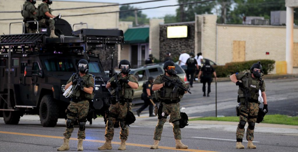 Ταραχές στη Βόρεια Καρολίνα μετά τον φόνο Αφροαμερικανού από αστυνομικούς | Pagenews.gr
