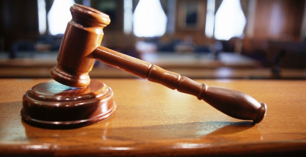 Θεσσαλονίκη: Διεκόπη η δίκη του »Λίπους» – Πήγε στο νοσοκομείο (pic&vid) | Pagenews.gr