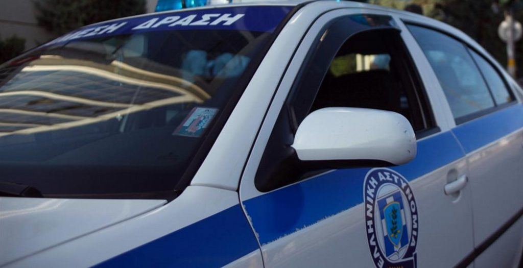 Θεσσαλονίκη: Άγνωστοι έσπασαν τζαμαρίες και αυτοκίνητα | Pagenews.gr