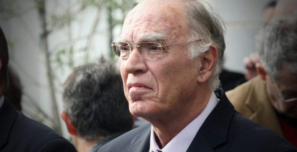 Λεβέντης: Οι έλληνες θα δεχθούν μείωση μισθών και συντάξεων για να πάρουμε αεροσκάφη   Pagenews.gr