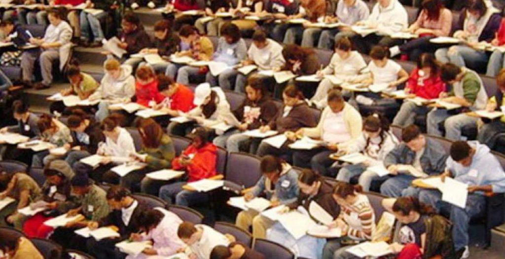 Υπ. Παιδείας: Μόνο για φέτος η διπλή εξεταστική για τους επί πτυχίω φοιτητές | Pagenews.gr